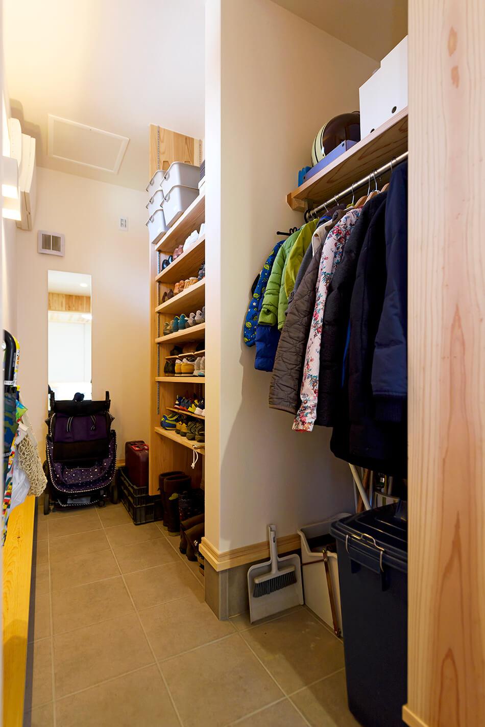 木の家|熊本の新築建築事例|2階建|4LDK|土間収納|エコワークス|CASE-13|内観03