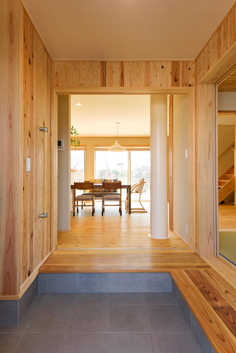 木の家|熊本の新築建築事例|2階建|4LDK|玄関|エコワークス|CASE-13|内観04