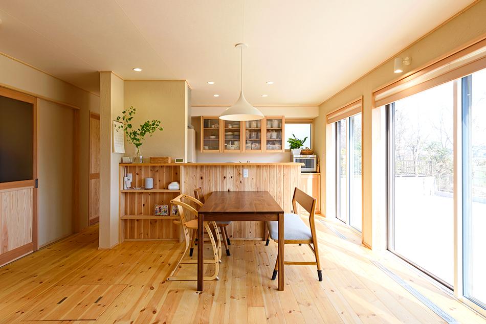 木の家|熊本の新築建築事例|2階建|4LDK|リビング|エコワークス|CASE-13|内観06