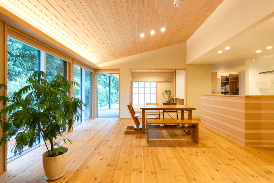 木の家|福岡の新築建築事例|平屋|4LDK|リビング|エコワークス|CASE-15|内観01