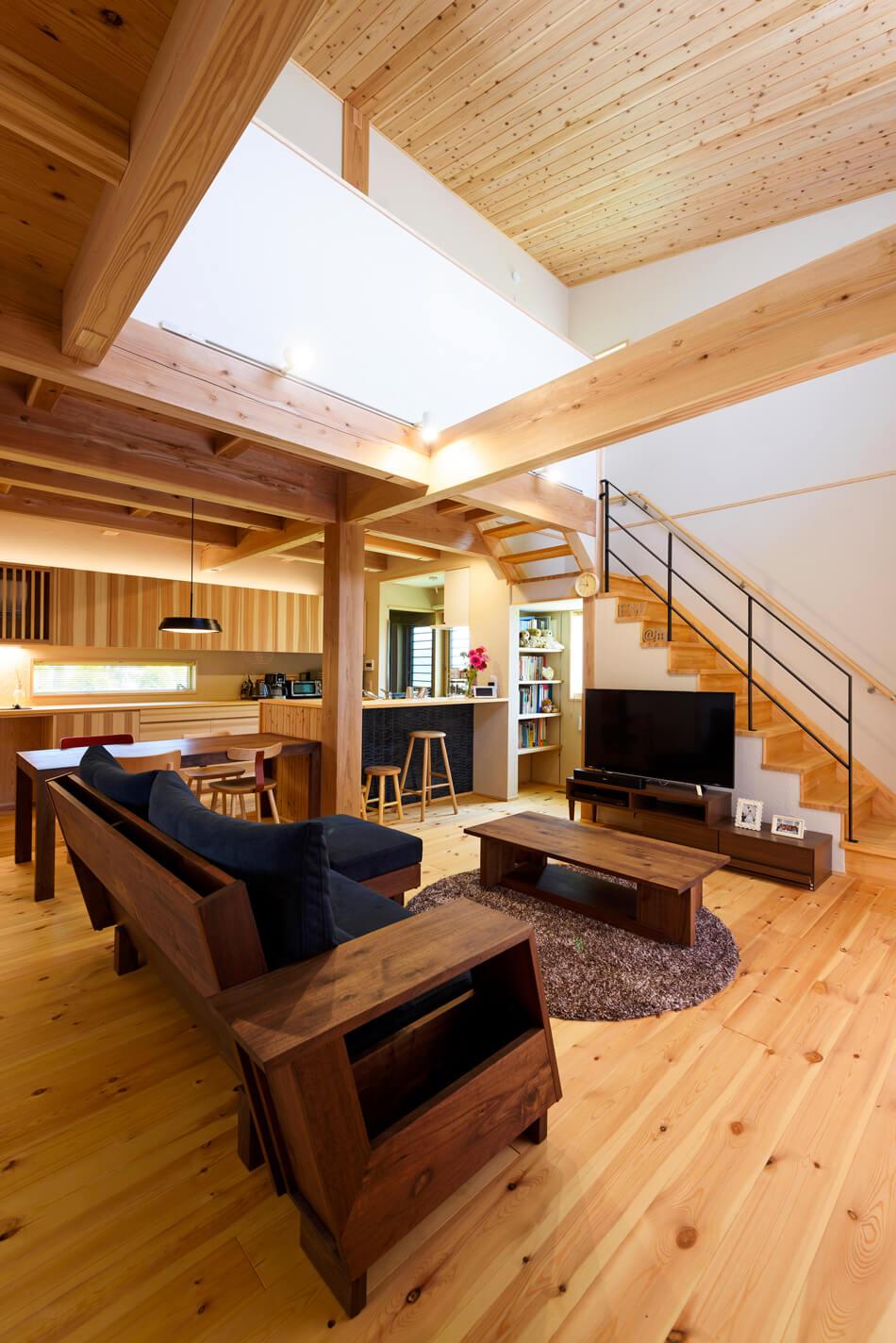 木の家|熊本の新築建築事例|2階建|4LDK|リビング|エコワークス|CASE-19|内観05