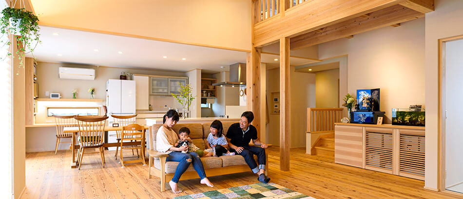 木の家|福岡の新築建築事例|平屋|3LDK+ロフト|リビング|エコワークス|CASE-20|内観01