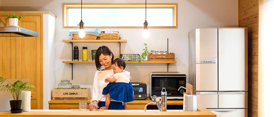 木の家|福岡の新築建築事例|2階建|2LDK|キッチン|エコワークス|CASE-21|内観01