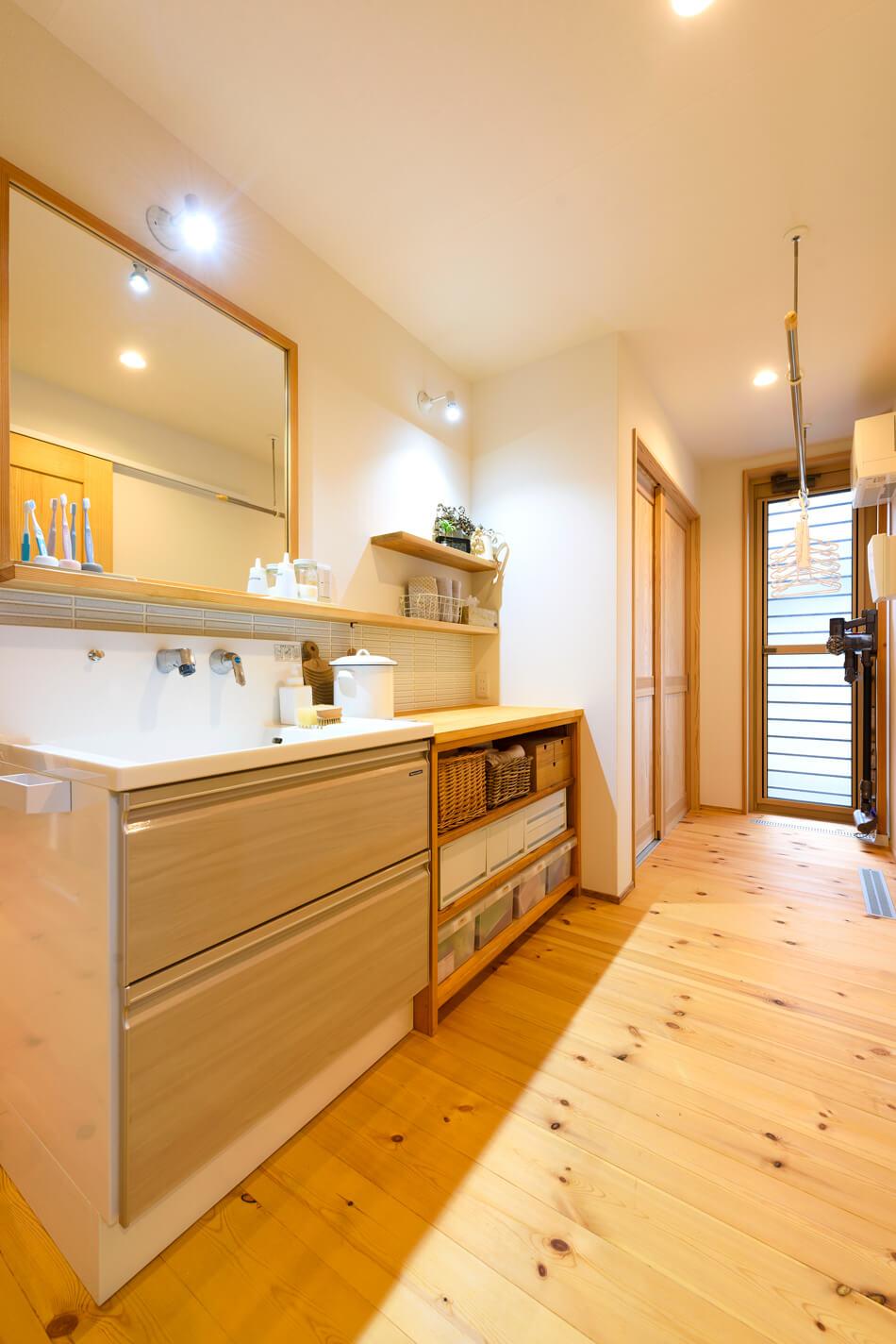 木の家|福岡の新築建築事例|2階建|2LDK|洗面台|エコワークス|CASE-21|内観04