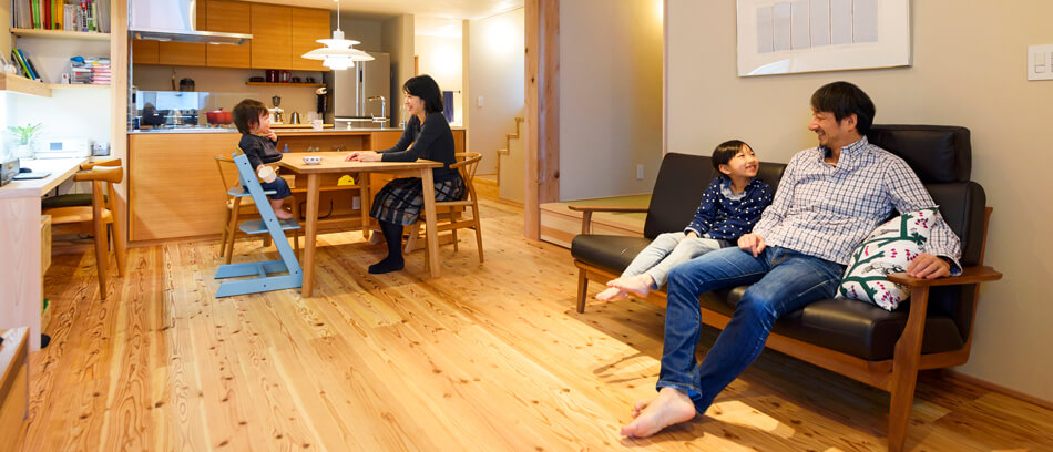 木の家|福岡の新築建築事例|2階建|4LDK|リビング|エコワークス|CASE-16|内観01