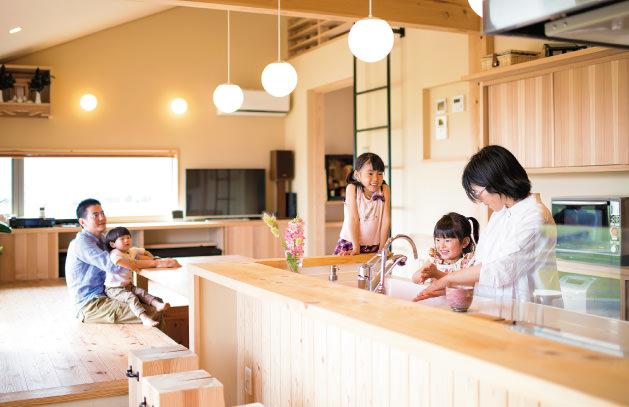 木の家|福岡の新築建築事例|平屋|3LDK|キッチン|エコワークス|CASE-03|内観01