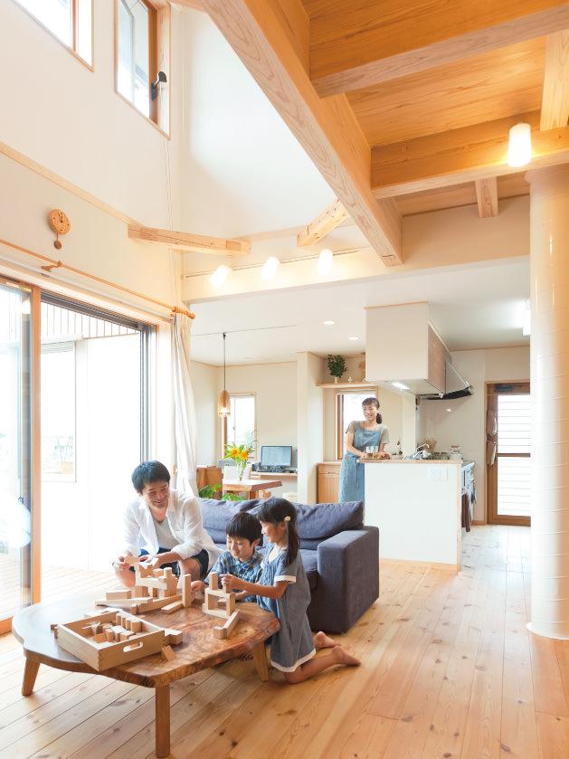 木の家|福岡の新築建築事例|2階建|4LDK|リビング|エコワークス|CASE-05|内観02