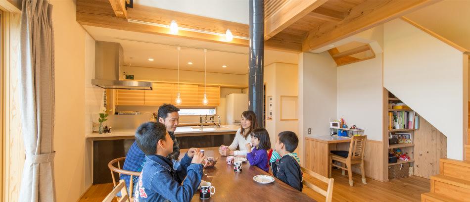 木の家|福岡の新築建築事例|2階建|5LDK|リビング|エコワークス|CASE-07|内観04