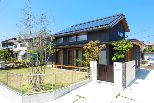 木の家|福岡の新築建築事例|2階建|5LDK|玄関|エコワークス|CASE-11|外観01
