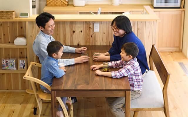 木の家|熊本の新築建築事例|2階建|4LDK|自然のなるべくそばに心とからだに効く命を育む家|エコワークス|CASE-13