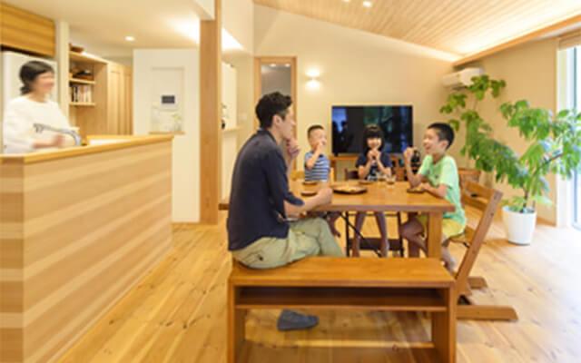 木の家|福岡の新築建築事例|平屋|4LDK|家族の時間を豊かにする自然と共にある住まい|エコワークス|CASE-15
