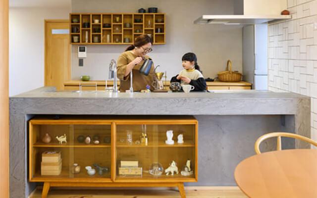 木の家|福岡の新築建築事例|2階建|4LDK|太い柱で結ばれた2つの家族の新しい家|エコワークス|CASE-18