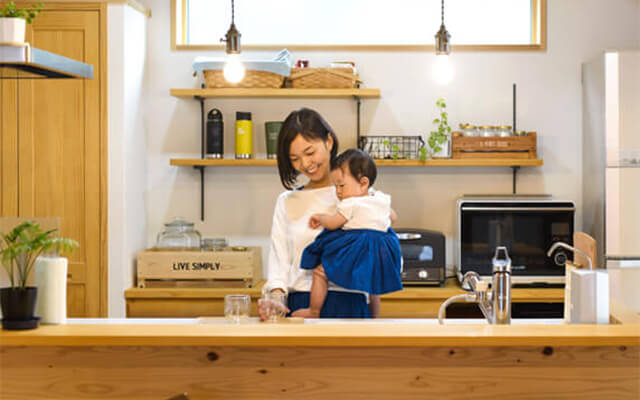 木の家|福岡の新築建築事例|2階建|2LDK|木の温もりを感じる毎日がログハウス気分|エコワークス|CASE-21