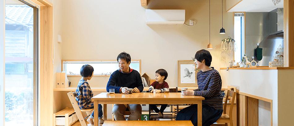 木の家|福岡の新築建築事例|2階建|4LDK|リビング|エコワークス|CASE-22|内観02