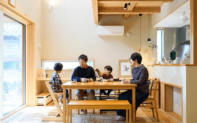 木の家|福岡の新築建築事例|2階建|4LDK|家族の時間も自分の趣味も大切にできる家づくり|エコワークス|CASE-22