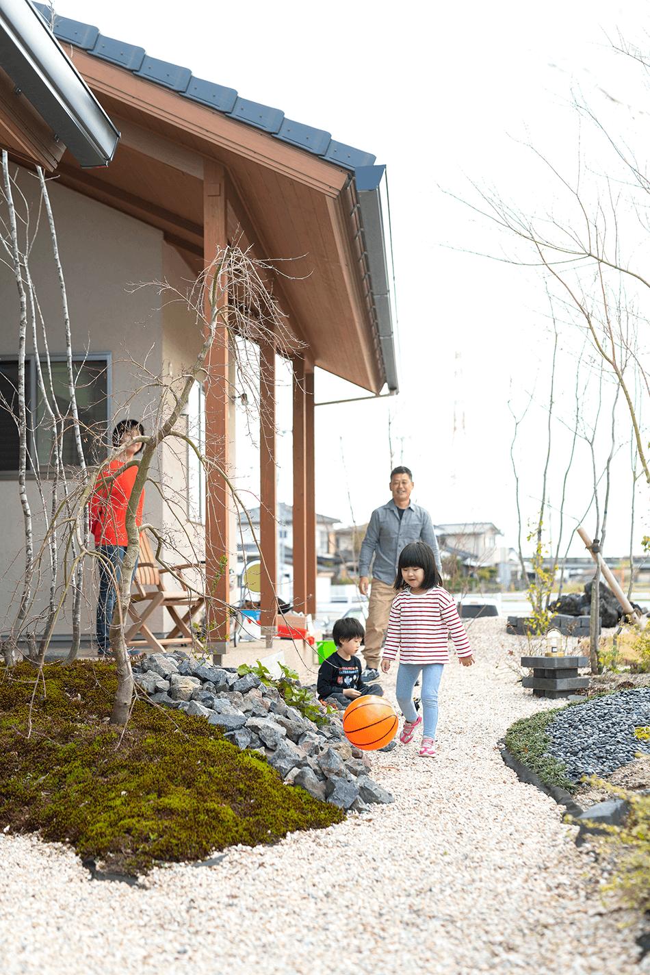 木の家|福岡の新築建築事例|平屋|3LDK|庭|エコワークス|CASE-23|庭05