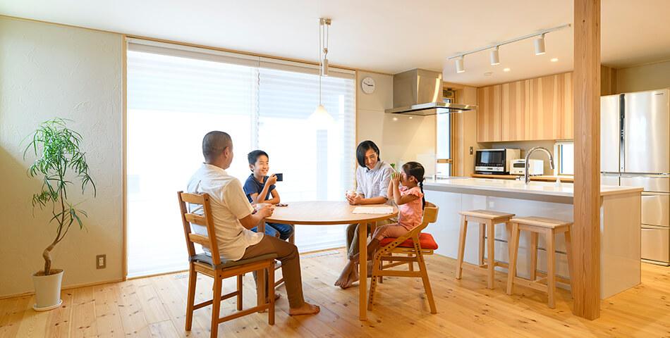 木の家|福岡の新築建築事例|2階建|3LDK|リビング|エコワークス|CASE-24|内観02