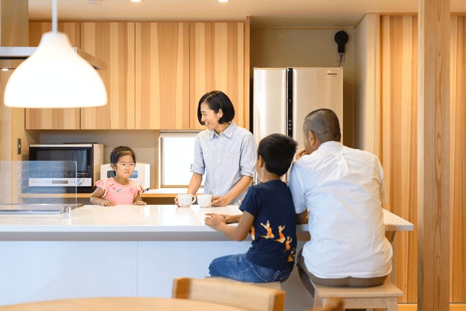 木の家|福岡の新築建築事例|2階建|3LDK|キッチン|エコワークス|CASE-24|内観05